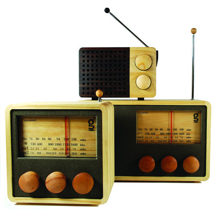 Magno-wooden-radio