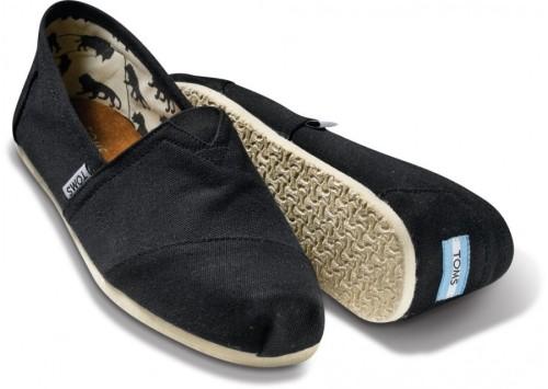 Toms-shoes-black-canvas-classics