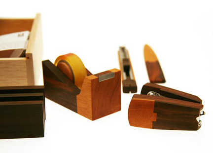 Wooden-stationery-desk-set